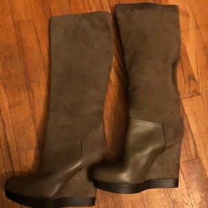 Vince, Made in Italy suede Boots